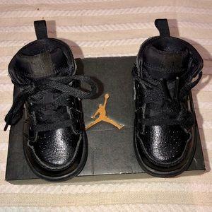 Air Jordan 1 Mid retro